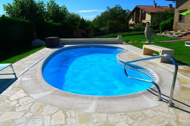 Escolha a melhor piscina para sua casa