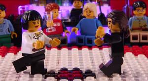Garoto de 15 anos recria cenas de filmes usando LEGO