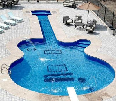 10 piscinas criativas e diferentes pelo mundo for Mejores piscinas